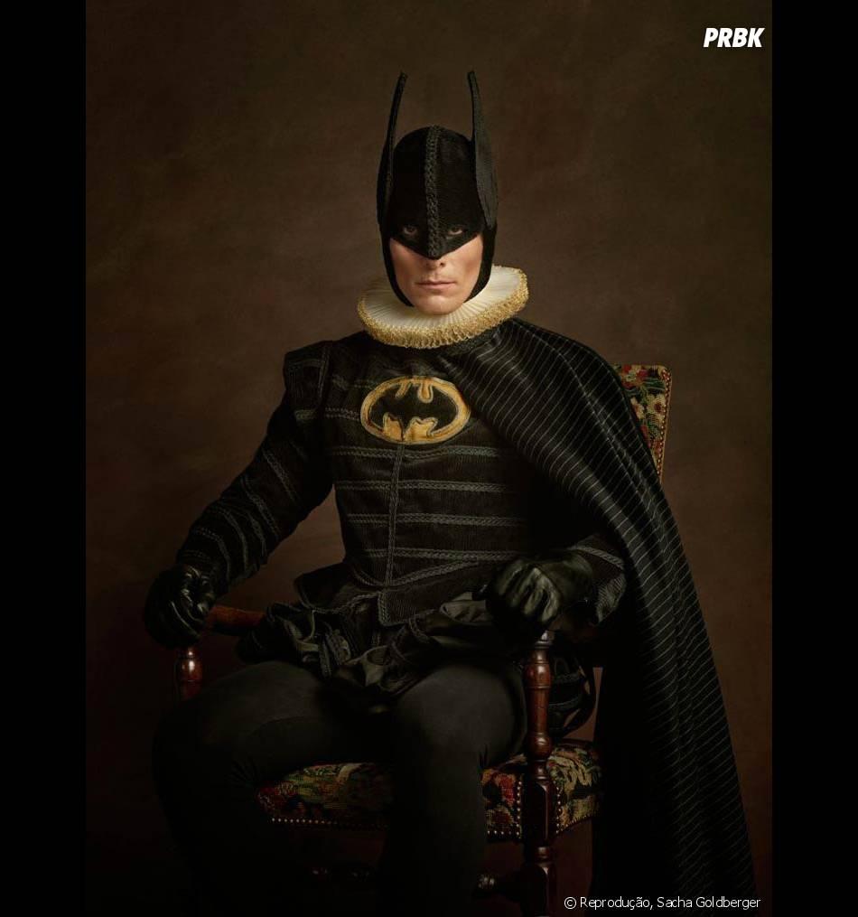 """O Batman está literamente vestido como um """"Cavaleiro das Trevas"""""""