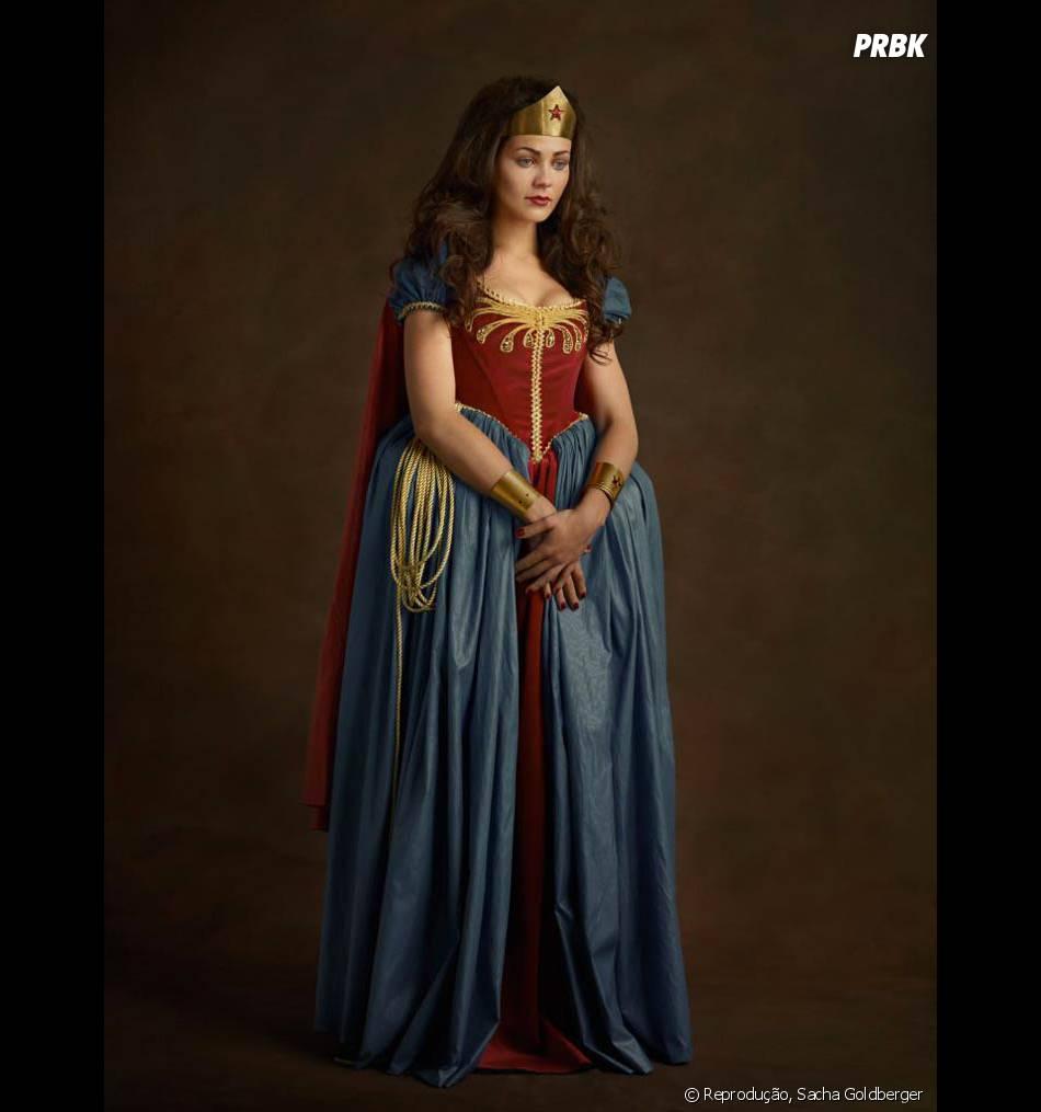A Mulher-Maravilha parece uma princesinha, mas só parece mesmo. Mexe com ela pra você ver...