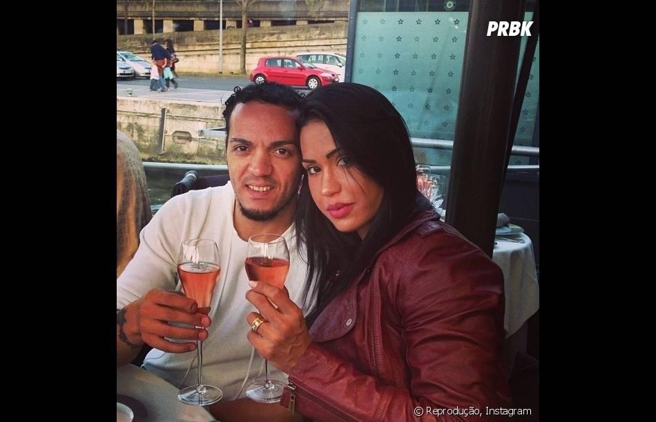 Belo e Gracyanne Barbosa com drinks no Instagram
