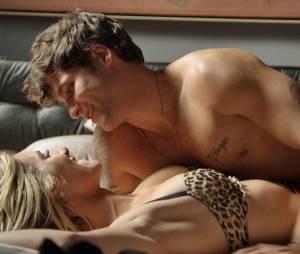 """Murilo (Bruno Gagliasso) vai pra cama com Vanessa(Giovanna Ewbank) em """"Babilônia"""""""