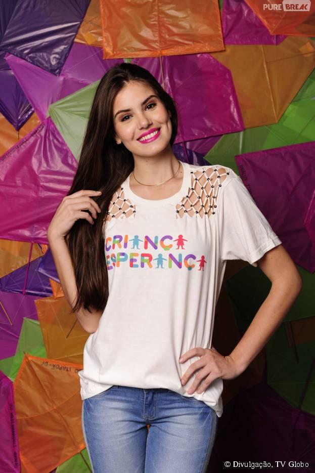 """Destaque na pele de Angel de """"Verdades Secretas"""", Camila Queiroz fala sobre festas e badalação"""