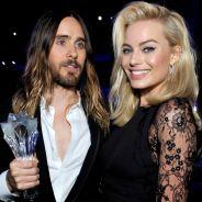 """Margot Robbie, de """"Esquadrão Suicida"""", comenta relação com Jared Leto: """"No início era estranho"""""""