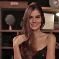 """Camila Queiroz, de """"Verdades Secretas"""", elege apps favoritos e comenta relação com redes sociais"""
