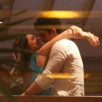 Enzo Celulari é flagrado aos beijos com namorada no aniversário de Claudia Raia