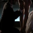 """Todas as cenas mais picantes de Angel (Camila Queiroz) e Alex (Rodrigo Lombardi), em""""Verdades Secretas"""", são super bem produzidas"""