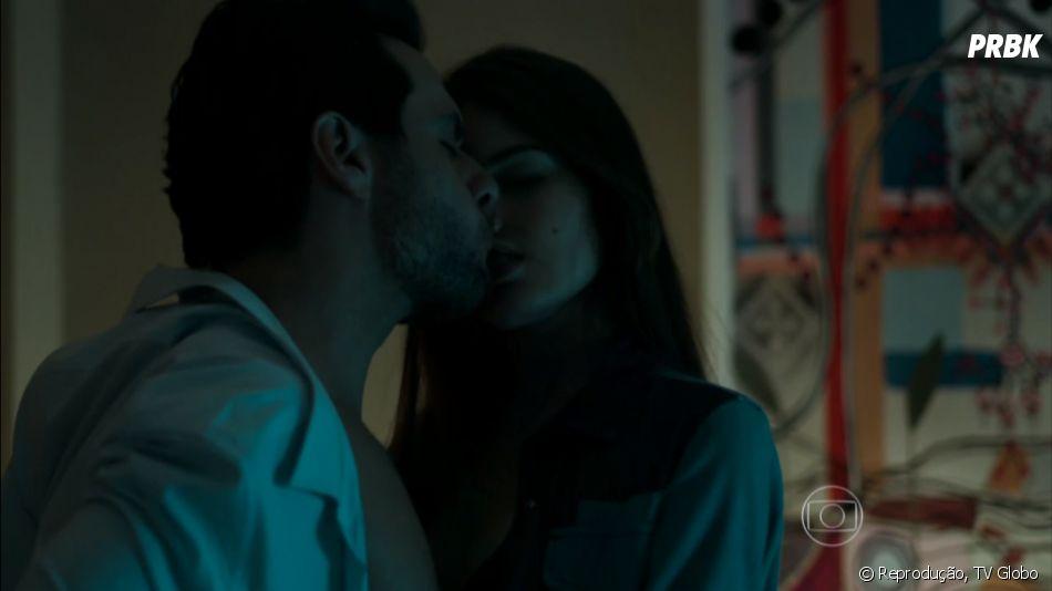 """Apesar de viverem um romance proíbido em """"Verdades Secretas"""", a paixão entre os dois sempre falou mais alto"""