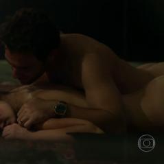 """Novela """"Verdades Secretas"""": relembre as cenas sensuais de Angel (Camila Queiroz) e Alex na história!"""