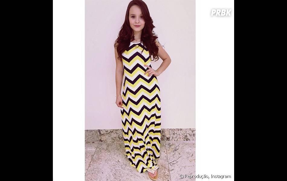 19bb3122530ee Vestidos mais longos também caem muito bem em Larissa Manoela