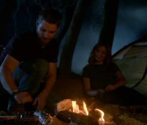 """No final de """"Under the Dome"""",Barbie(Mike Vogel) eJulia(Rachelle Lefevre) estão noivos"""