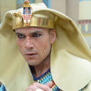 """Novela """"Os Dez Mandamentos"""": Ramsés (Sérgio Marone) e egípcios enlouquecem com sexta praga!"""