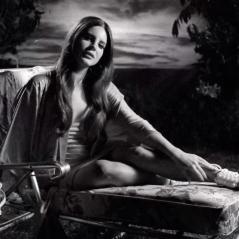 "Lana Del Rey libera clipe de ""Music To Watch Boys To"", segundo single do álbum ""Honeymoon"""
