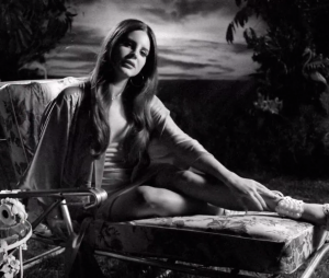 "Lana Del Rey aparece toda gata no clipe de ""Music To Watch Boys To"""