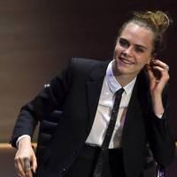 """Cara Delevingne revela luta contra a depressão: """"Era completamente suicida"""""""