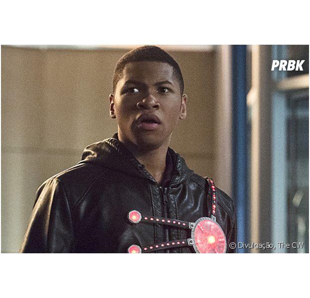"""Em """"The Flash"""": na segunda temporada, Jefferson """"Jax"""" Jackson (Franz Drameh) é a nova combinação Firestorm para recuperar a saúde do Dr. Stein (Victor Garber)"""