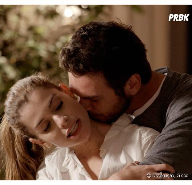 """Em """"Além do Tempo"""", Lívia (Alinne Moraes) termina tudo com Pedro (Emílio Dantas)!"""