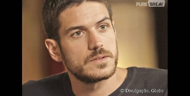 """Em """"A Regra do Jogo"""", Dante (Marco Pigossi) se declara para Lara (Carolina Dieckmann)!"""