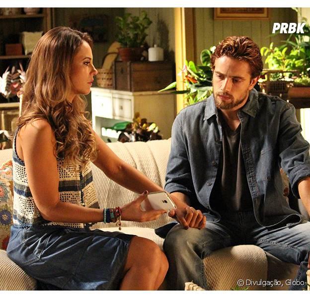 """Em """"Além do Tempo"""": Melissa (Paolla Oliveira) está esperando um filho de Felipe (Rafael Cardoso) e o cara sai de casa!"""