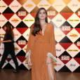 """Camila Queiroz comemora título de Atriz Revelação por """"Verdades Secretas"""""""