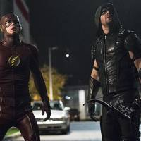 "Em ""Arrow"" e ""The Flash"": crossover leva Barry e Oliver a combater o grande vilão Vandal Savage!"