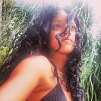 Rihanna no Brasil: Quase 24h desaparecida, cantora mostra novo look no Instagram