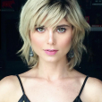 """De """"Totalmente Demais"""": a atriz Julianne Trevisol está adorando a nova cor dos cabelos"""