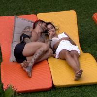 """No """"BBB14"""": Roni dá mole para Princy e Rodrigo é o garanhão da casa"""