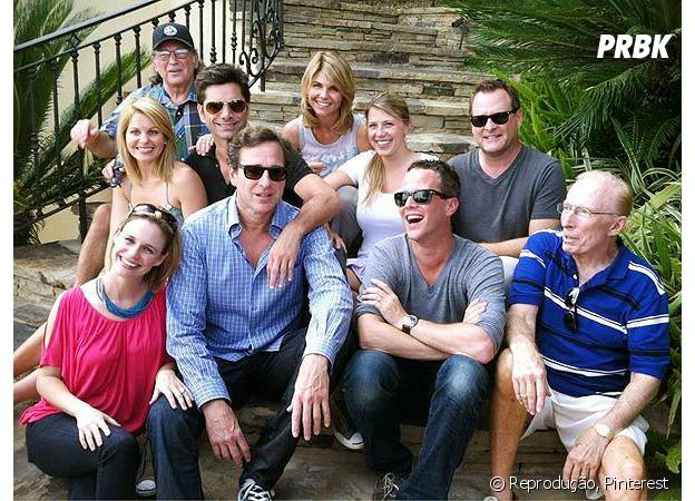 """O elenco de """"Fuller House"""", atualmente, durante as gravações"""