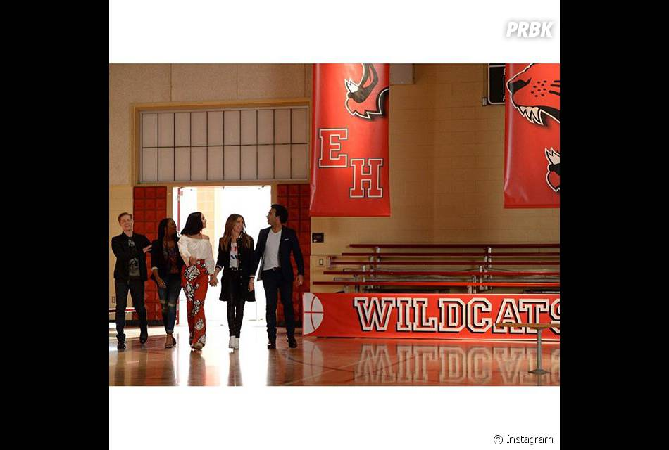 """Atores de """"High School Musical"""" voltam ao colégio East High no 10º aniversário do filme"""