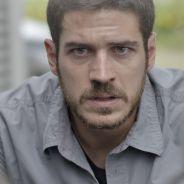 """Novela """"A Regra do Jogo"""": Dante (Marco Pigossi) flagra Romero com bandidos da facção!"""