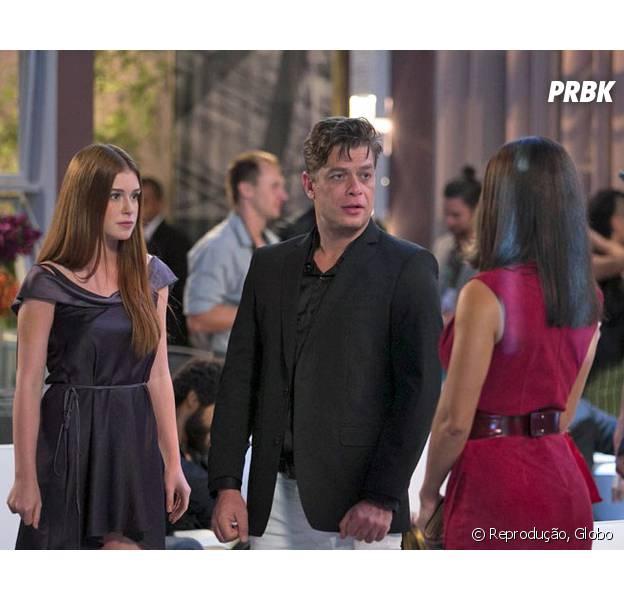 """Em """"Totalmente Demais"""", Eliza (Marina Ruy Barbosa) sai para jantar com Arthur (Fábio Assunção) e discute com Carolina (Juliana Paes)"""