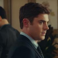 """Zac Efron passa vergonha em um funeral neste novo vídeo exclusivo de """"Tirando o Atraso"""". Assista!"""