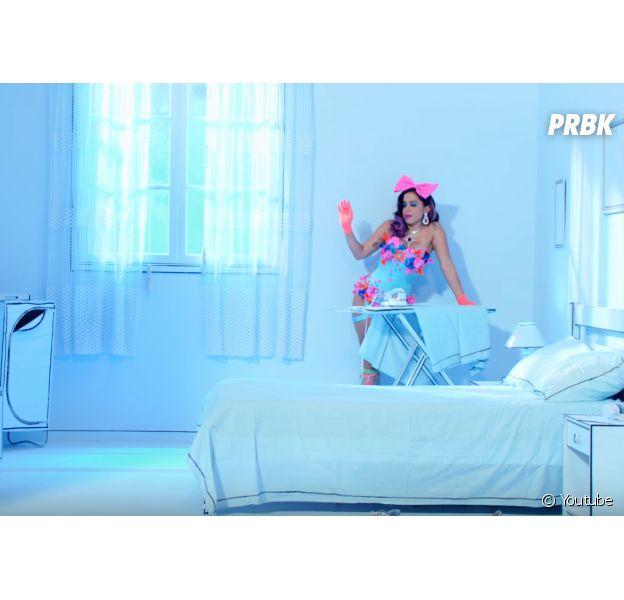 """Anitta tem músicas perfeitas para se ouvir enquanto arruma o quarto, como """"Essa Mina É Louca"""""""