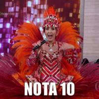 """Fátima Bernardes vira porta-bandeira no """"Encontro"""" e internet vai à loucura: """"Essa mulher lacra"""""""