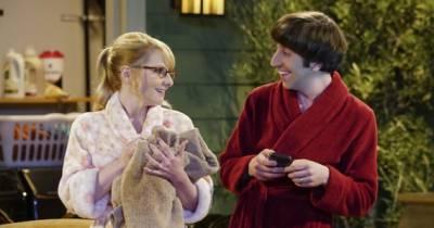 """Em """"The Big Bang Theory"""": na 9ª temporada, Bernadette está grávida de Howard! OMG"""
