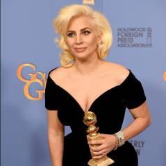 Lady Gaga faz tatuagem em homenagem a David Bowie, antes do Grammy Awards 2016!
