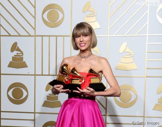 Taylor Swift foi uma das maiores vencedoras do Grammy 2016