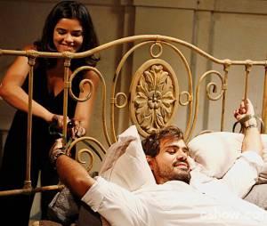"""Em """"Amor à Vida"""", Ninho (Juliano Cazarré) não fazia ideia de queAline (Vanessa Giácomo) iria torturá-lo"""