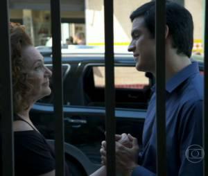 "Foi Márcia (Elizabeth Savalla) quem convenceu Félix (Mateus Solano) a se declarar para Niko em ""Amor à Vida"""