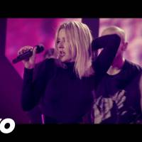 "Ellie Goulding dança muito no clipe ""Something In The Way You Move""! Assista!"