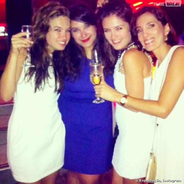 Junto com as amigas, Lua Blanco se diverte na virada do ano