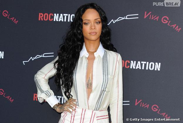 Rihanna se manifestou no Twitter sobre assassinato de fã brasileiro