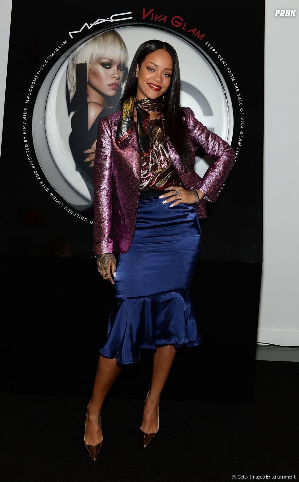 Rihanna mostra preocupação com morte de fã