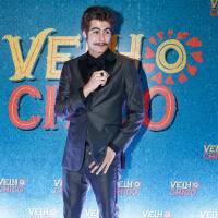 "Rafael Vitti, de ""Velho Chico"", comenta visual para novela e foge de pergunta sobre namoro: ""Feliz"""