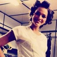 """Bruna Marquezine grávida? A atriz colocou uma barriga falsa para """"Em Família"""""""