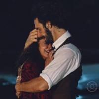 """Novela """"Velho Chico"""": Afrânio (Rodrigo Santoro) e Iolanda se reencontram após 20 anos!"""
