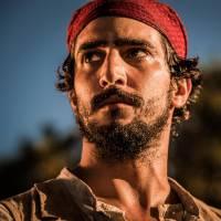 "Novela ""Velho Chico"": Santo (Renato Goés) vê Belmiro sendo assassinato e promete vingança!"
