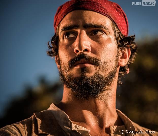 """Em """"Velho Chico"""", Santo (Renato Goés) promete vingança a Afrânio (Rodrigo Santoro) após morte do pai"""