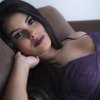 """Munik, do """"BBB 16"""", posa sexy em ensaio, fala sobre fama e garante: """"Vou focar na carreira de atriz"""""""