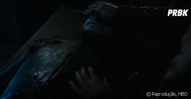 """Em """"Game of Thrones"""", Jon Snow (Kit Harington) está morto no 1º episódio da 6ª temporada"""