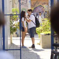 """Novela """"Malhação"""": Rodrigo (Nicolas Prattes) e Luciana se reaproximam e são interrompidos por Roger"""